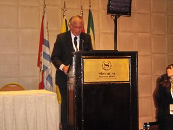 Dr. Roberto Villavicencio