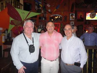 Dres. Luis Méndez Uriburu, Jaime Madrid Jaramillo y Sergio Lucino en el cierre social del Congreso.