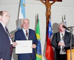 Medalla de Oro: Dr. José María Lemoine
