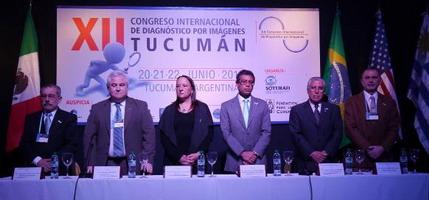 Dr. Luis D Tacconi (Secretario Comité Organizador), Prof. Dr. Sergio Lucino (Presidente FAARDIT), Dra. Gloria Soto Giordani (Presidente del CIR), Dr. Fernando Avellaneda (Secretario del Min. de Salud Pública), Dr. José A. Remis (Facultad de Medicina UNT), Prof. Dr. Nicolás Mercado Nieto (Presidente del Comité Organizador).