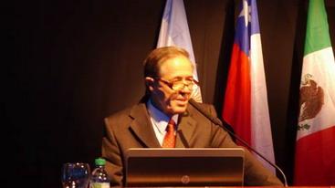 Dr. Claudio Cortés