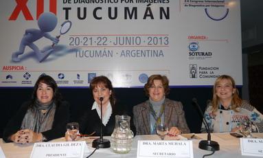 Dra. Marta Machado (Córdoba). Presidente de la sesión fue la Dra. Claudia Gil Deza y las secretarias las Dras. Marta Muhala y Silvia Saguir.