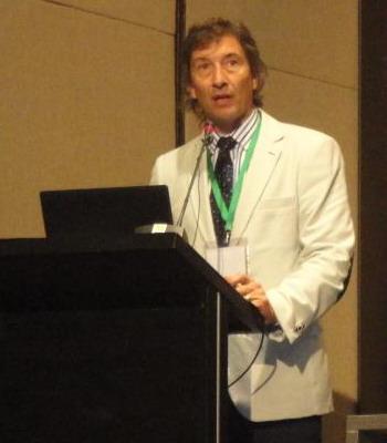 Dr. Claudio Bonini, disertante en módulo de Abdomen
