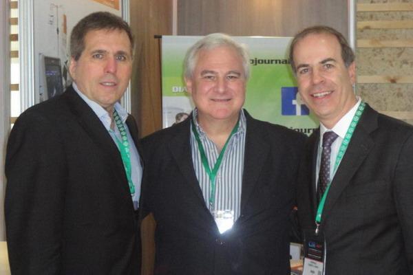 Dres. Henrique Carrete Junior y Antonio Carlos Matteoni de Athayde, Junto al Dr. Sergio Lucino
