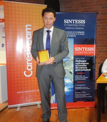 Dr. Gustavo Raichholz ganador de Premio trabajo científico.