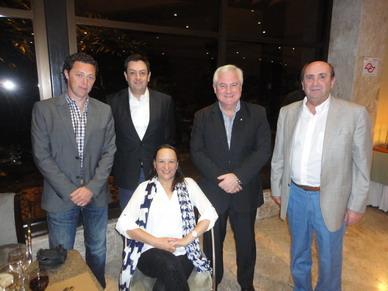Dra. Gloria Soto, Presidente del CIR junto al Doctor Pablo Soffia, Presidente de la Sociedad Chilena de Radiología y miembros de FAARDIT