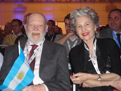 El Doctor Carlos Quiroga Mayor junto a su esposa Nora luego de la Distinción efectuada durante el 44 JPR 2014