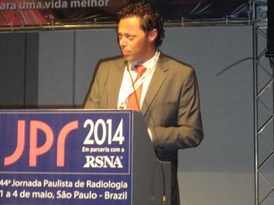 Doctor Gustavo Raichholz, disertante por FAARDIT de la Seción Latinoamericana