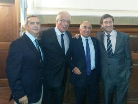 Dres. Hugo Guerra, Roberto Villavicencio, Carlos Oulton y Claudio Bonini